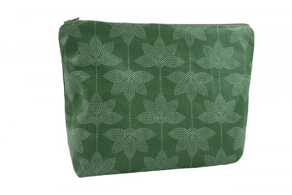 Handgemachte Kulturtasche Wickeltasche Lotus green aus beschichteter Baumwolle
