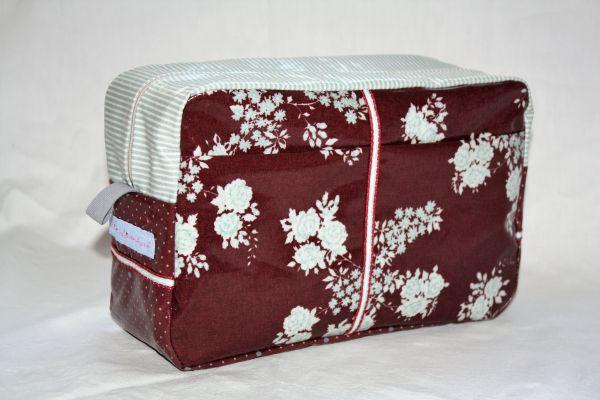 Kulturtasche Badetasche Marrakesch Isabella Bordeaux aus beschichteter Baumwolle