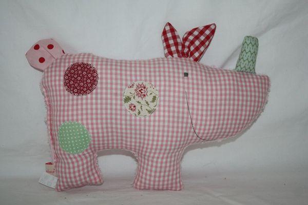 Lilli Löwenherz Konrad das Nashorn in rosa