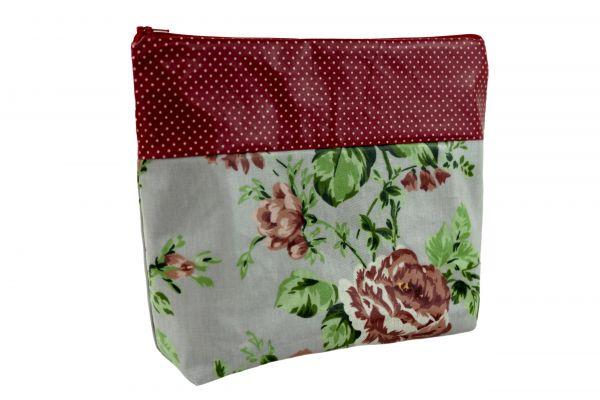 Handgemachte Kulturtasche Wickeltasche Sophia Red Dots aus beschichteter Baumwolle